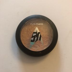 MAC Luna Luster Trip the Light Fantastic Powder
